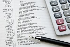 Betriebskosten für eine ordnungsgemäße Buchhaltung aufschlüsseln und dokumentieren.