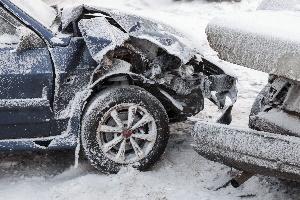 Neben den Fahrtkosten muss der Arbeitgeber Unfallkosten übernehmen.
