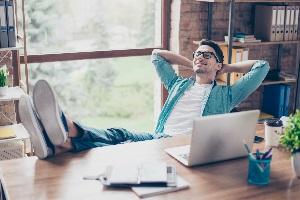 Ein Selbstständiger kann sein Arbeitszimmer unbeschränkt abziehen.