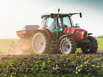So setzen Sie einen gekauften oder geleasten Traktor von der Steuer ab