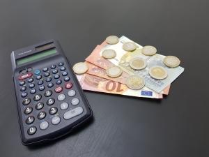 Um den Aufgaben im Betriebsrat nachkommen zu können, muss der Arbeitgeber entsprechende Mittel zur Verfügung stellen.