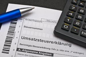 Bei einer Auktion in Deutschland können Umsatzsteuern anfallen.