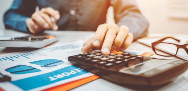 Betriebsvermögen berechnen: Bilanztechnisch beinhaltet das Vermögen alle Aktiva des Unternehmens.