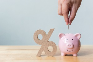 Ziel von Fintech-Unternehmen sind Kosteneinsparungen durch einen niedrigeren Zinsaufschlag.