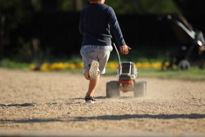 Private Haftpflichtversicherung: Verursacht ein Kind einen Schaden, kann dieser ausgeglichen werden.