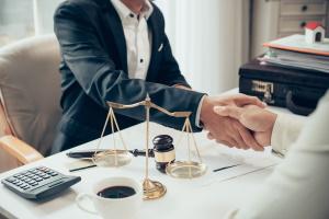 Haftpflichtversicherungen sind in vielen Bereichen sinnvoll und in einigen auch vorgeschrieben.