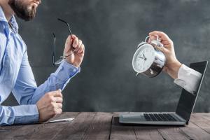 Die Kündigungsfristen für eine geringfügige Beschäftigung können variieren.