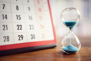 Kurzarbeit - die Berechnung des Kurzarbeitergelds hängt von der Dauer der Freistellung ab.