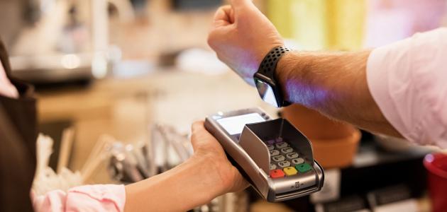 Die Mehrwertsteuer setzt beim Konsum an. Der Kunde zahlt sie zusätzlich zum Kaufpreis.