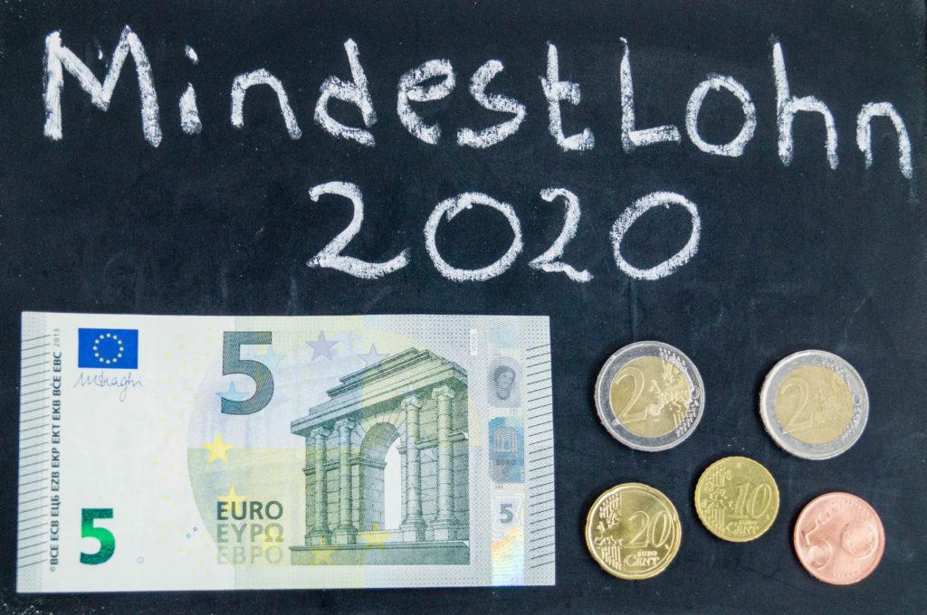 Der Mindestlohn steigt 2020 auf 9,35 € pro Stunde