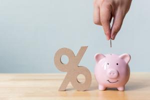 Der für die Rentenversicherung zu zahlende Beitrag richtet sich nach dem Arbeitseinkommen und dem Beitragssatz.