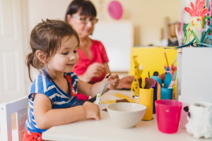 Sonderausgaben: Steuerabzugsbeträge können bei der Kinderbetreuung greifen.