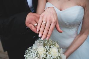 Zur Hochzeit kann einem der Arbeitgeber schon mal Sonderurlaub geben.