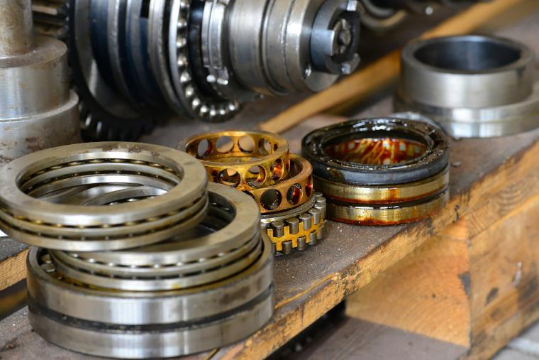 Austausch oder fachgerechte Reparatur durch einen guten Spindelservice kann die Beschaffung kostenintensiver Antriebe deutlich günstiger machen.