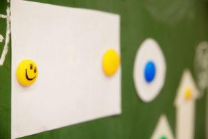 Selbstklebende Magnetfolien – Helfer im Büro und zu Hause